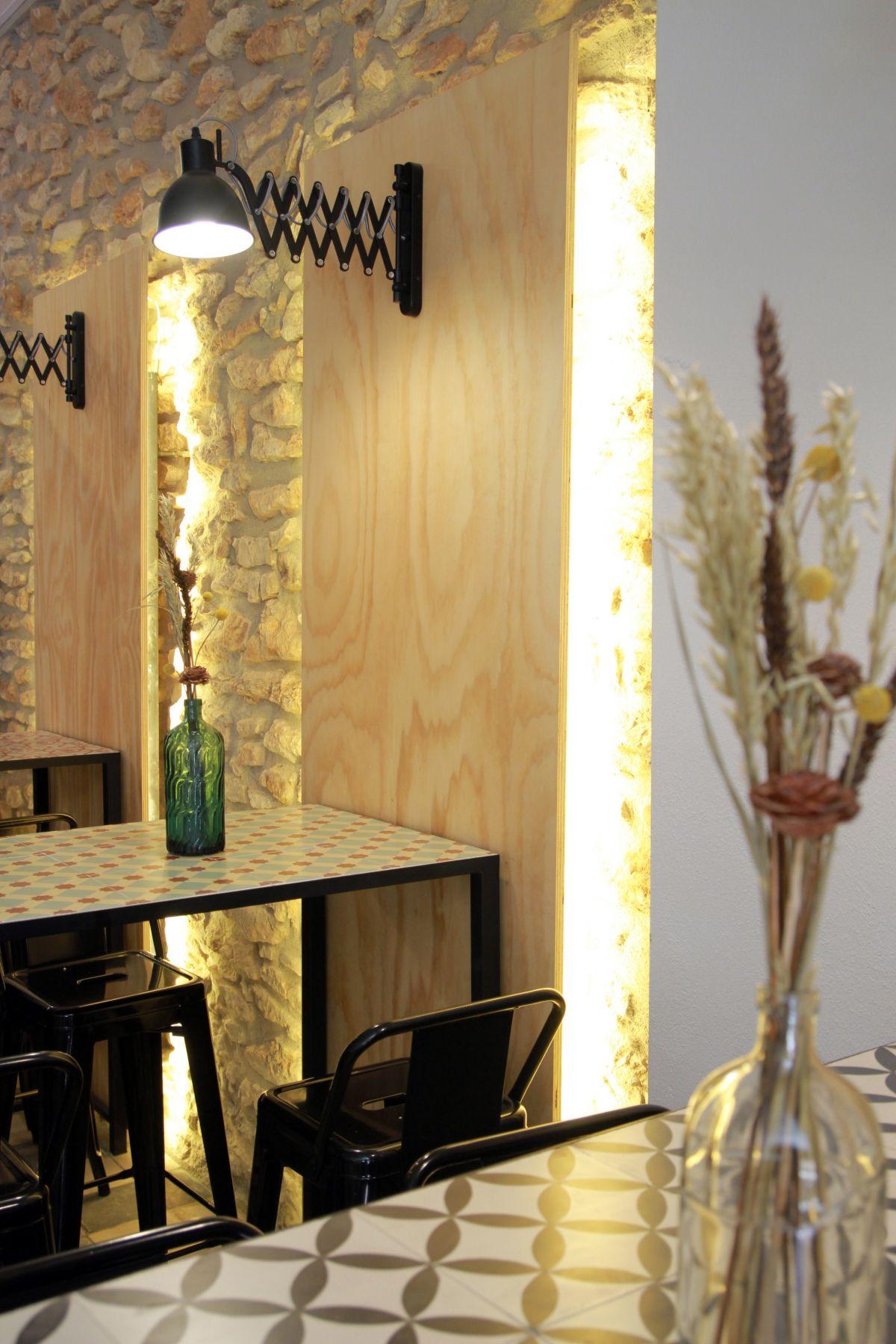 interiorisme, estudio, hidràulica disseny, refoma, diseño interior, interiorismo, decoración, la Sifoneria, Taperia, bocateria, Amposta, Delta de l'Ebre, TTEE, mosaic hidràulic, tobes, morter, formigó, nordico, nòrdic, la sifoneria amposta, wood, plywood