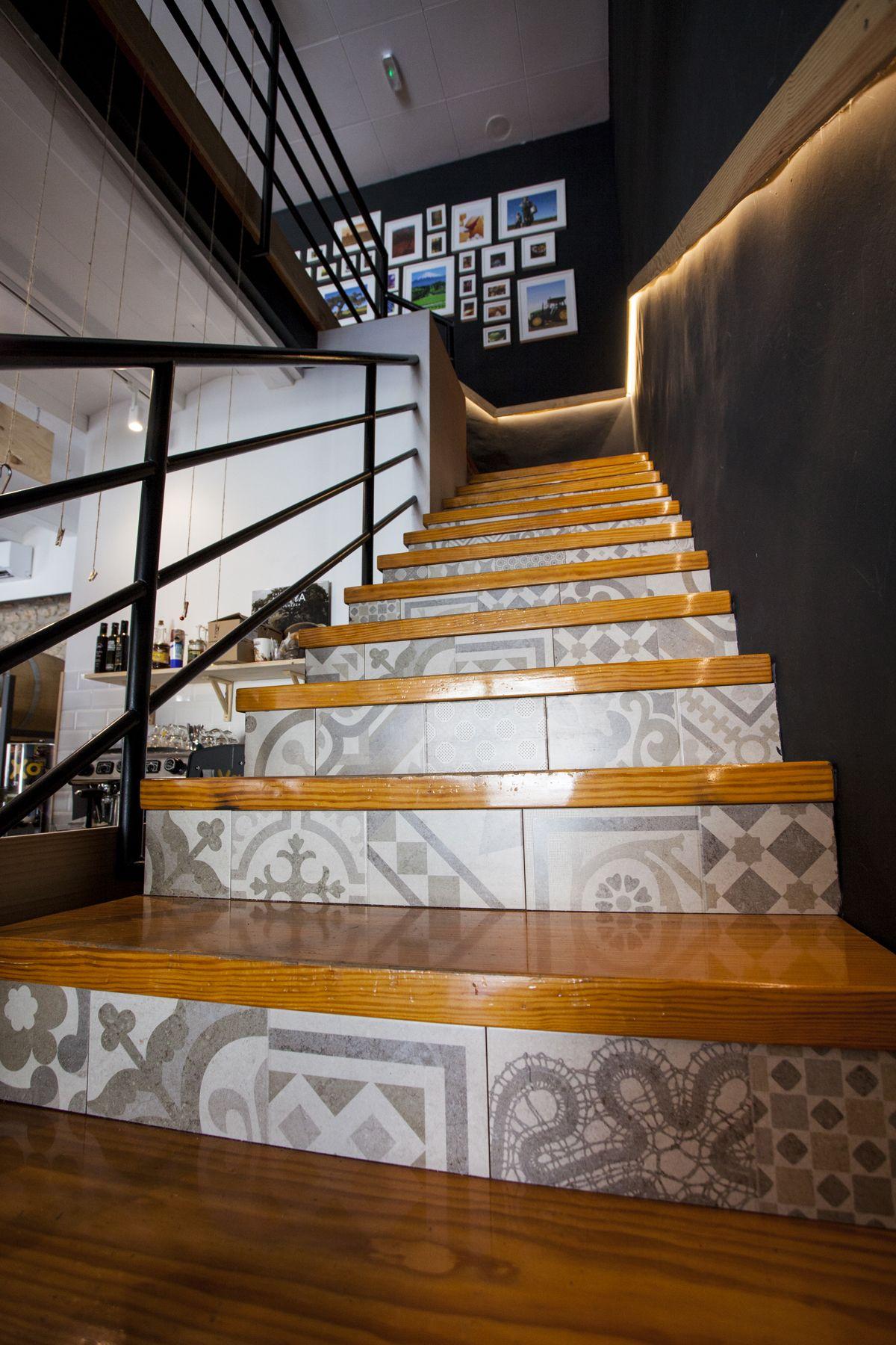 interiorisme, hidràulica disseny, refoma, diseño interior, interiorismo, decoración, a granel, interiorisme, Amposta, Delta de l'Ebre, TTEE, mosaic hidràulic, morter, formigó, nordico, nòrdic style, agrapats amposta, wood, plywood, pino, parquet roble,