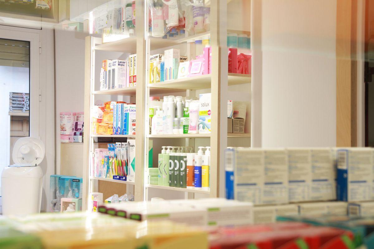 diseño interior farmacia, decoración, interiorisme, disseny d'interiors amposta