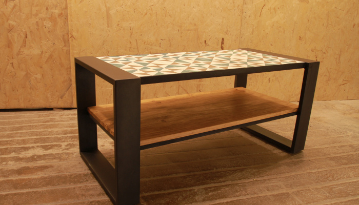 Hidraulic small table