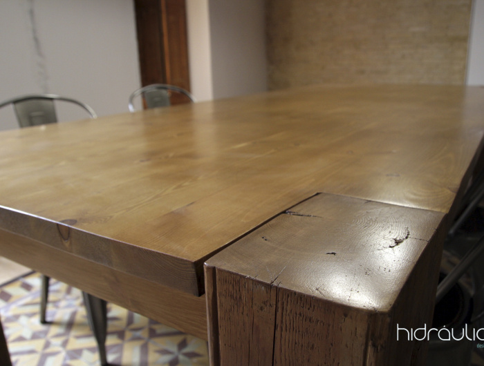 hidràulica disseny, vermouth, mosaic hidràulic, modernisme, design, cat, tile, disseny, amposta, wood, taula fusta, fusta, disseño, mesa, madera, madera recuperada