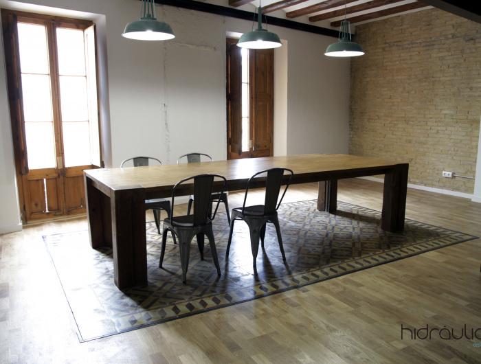 hidràulica disseny, vermouth, mosaic hidràulic, modernisme, design, cat, tile, disseny, amposta, wood, taula fusta, fusta, disseño, mesa, madera, madera recuperada, estudi, estudio,